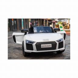 Audi Licensed R8 Spyder 12v Ride On Car White